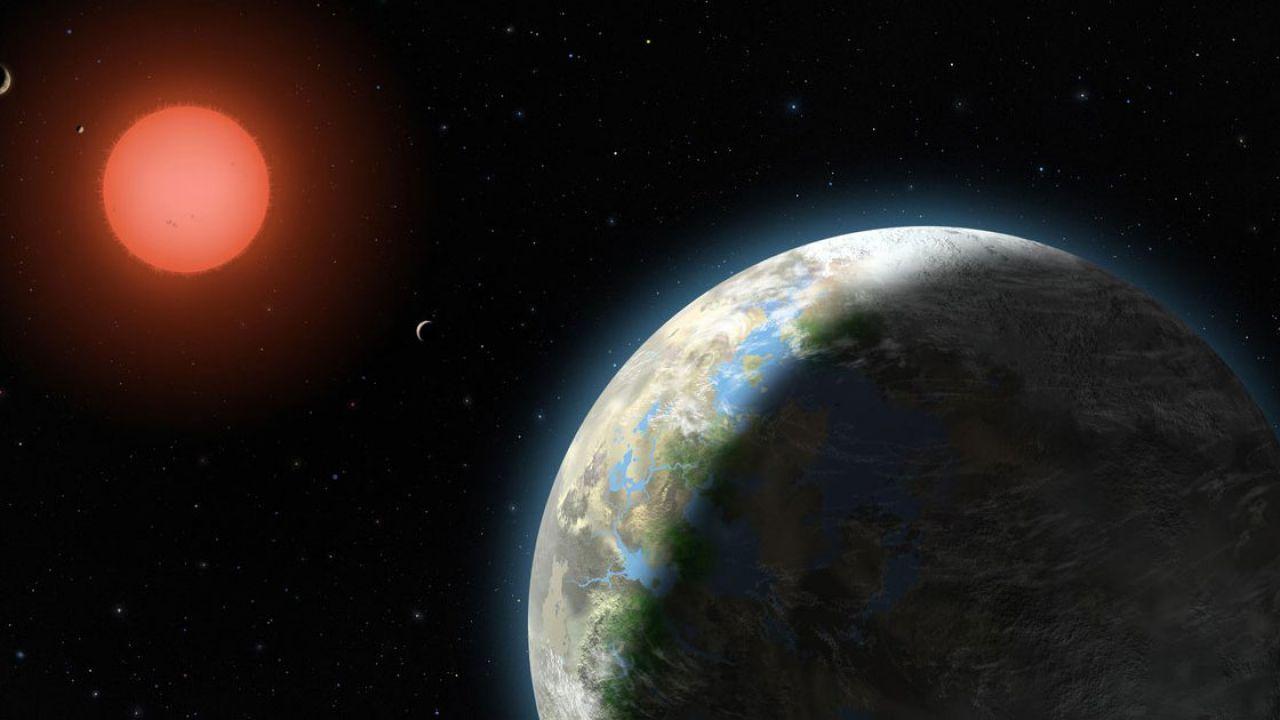 Un astronomo dilettante ha trovato un pianeta grande come Saturno lontano 97 anni luce
