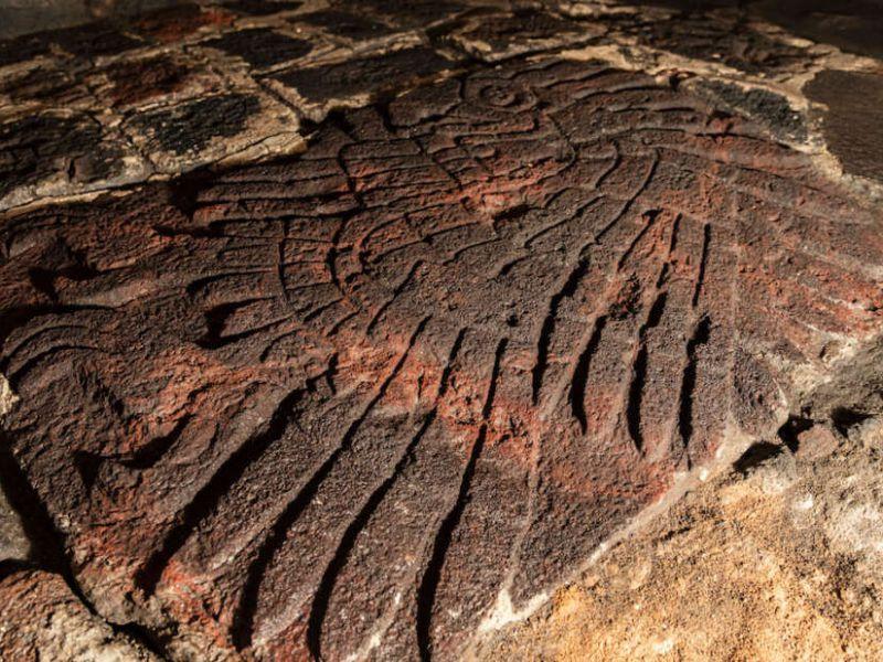 Un rilievo a forma di aquila è stato scoperto nel cuore della capitale Azteca