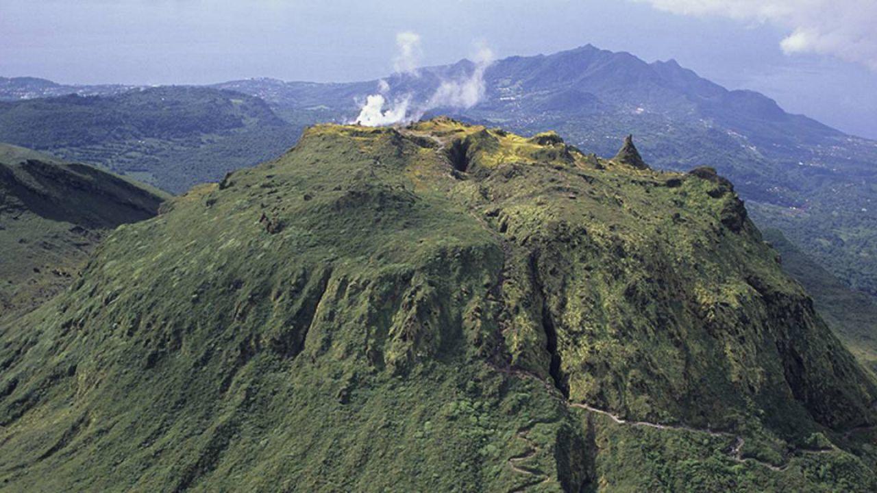 Un vulcano dormiente si è appena svegliato nei Caraibi dopo più di 40 anni