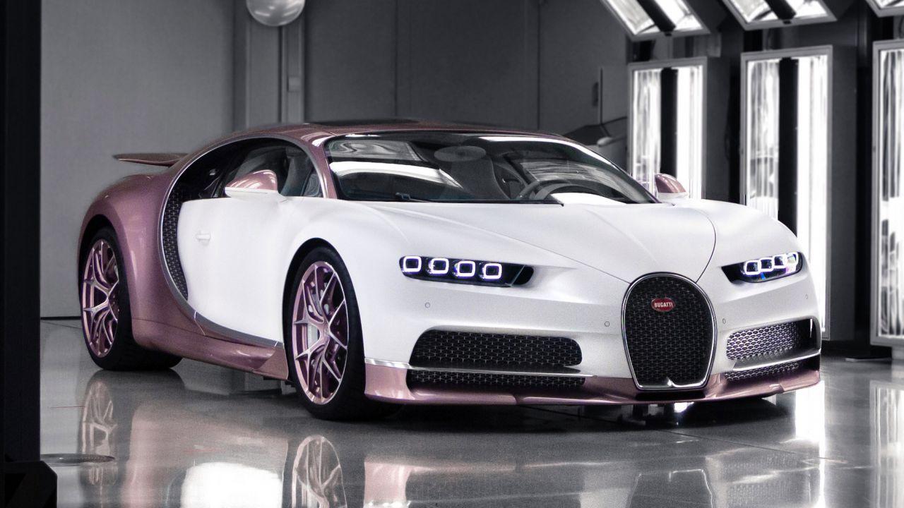 Una donna ha ricevuto il regalo di San Valentino più costoso di tutti: una Bugatti rosa