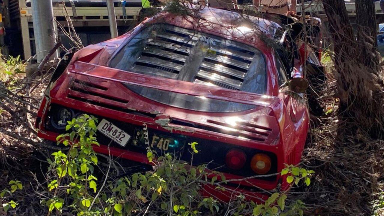 Una Ferrari F40 è stata disintegrata durante un test drive: il danno è immenso