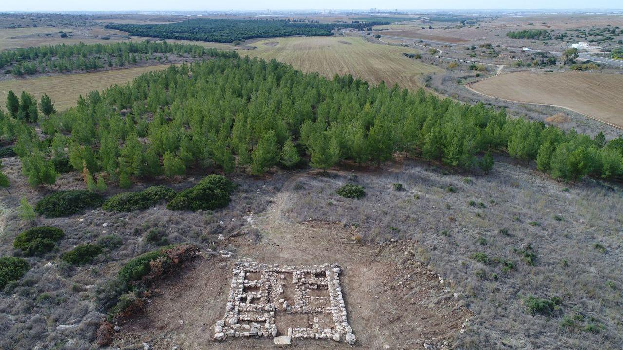 Una fortezza egiziana vecchia 3.200 anni è stata trovata in Israele