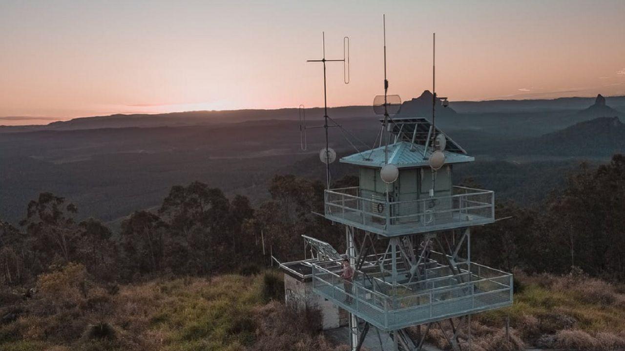 Una radio ha trasmesso lo stesso segnale per 8 anni, sul serio