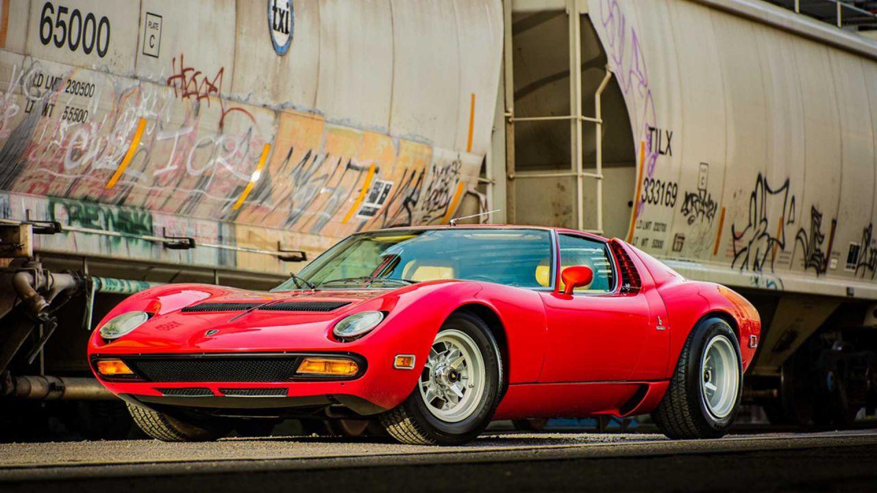 Una rara Lamborghini Miura P400 SV del 1971 all'asta il 17 gennaio