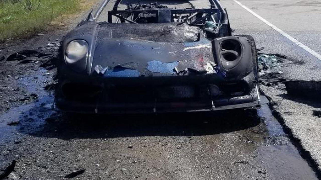 Una rara Noble M400 è andata a fuoco nei pressi di San Francisco