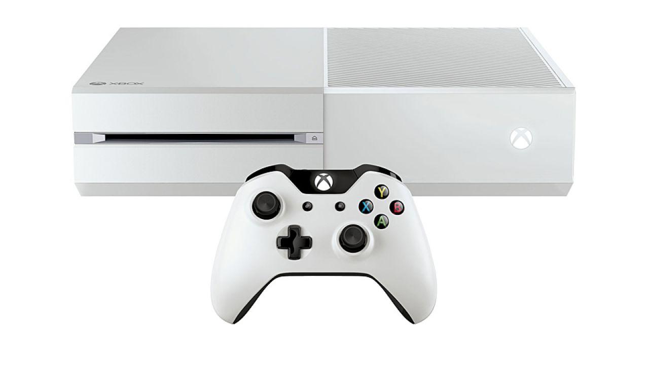 Una speciale Xbox bianca in bundle con Halo: The Master Chief Collection, ma solo negli Stati Uniti