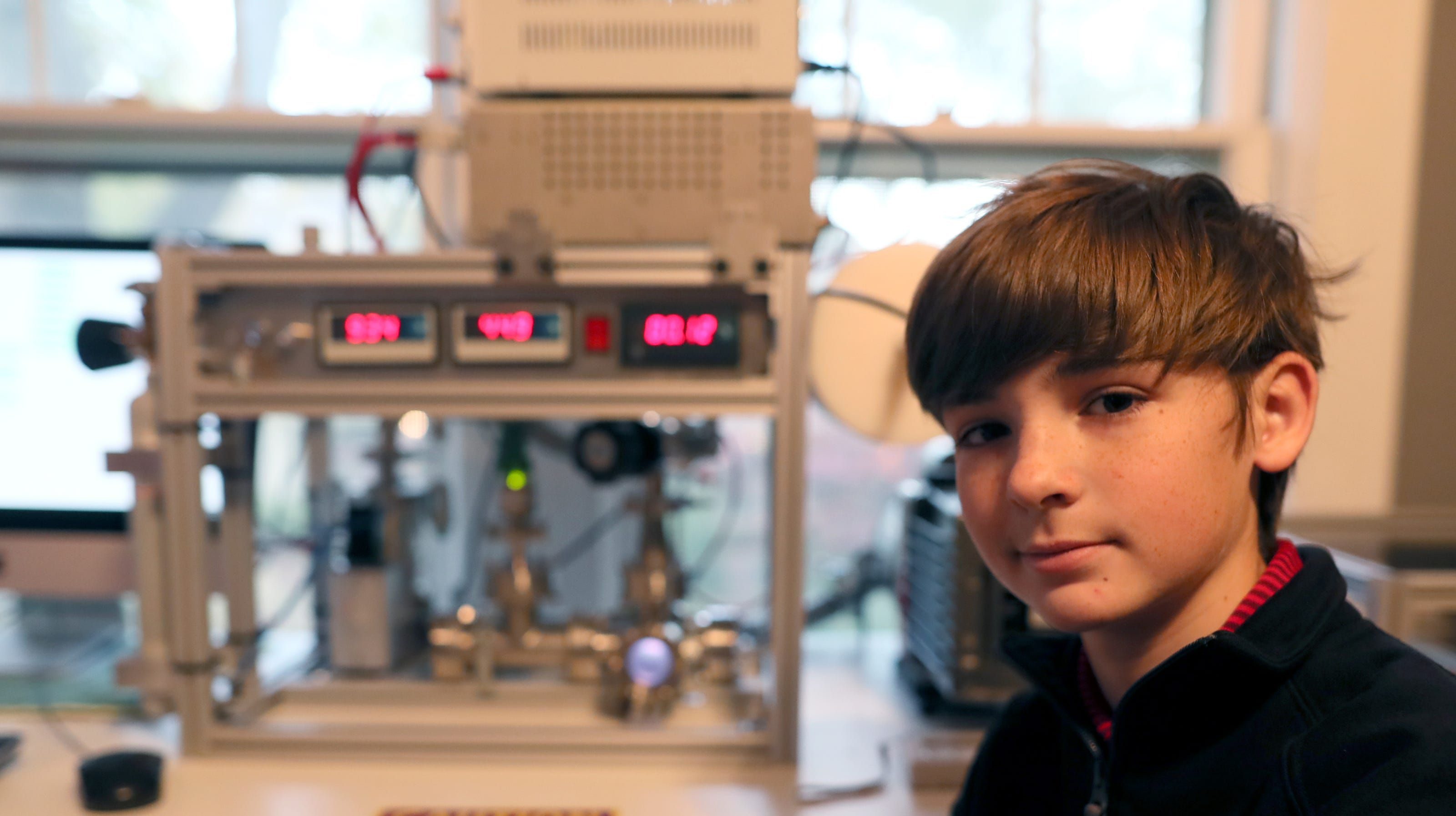 Uno studente delle medie costruisce un piccolo e funzionante reattore a fusione