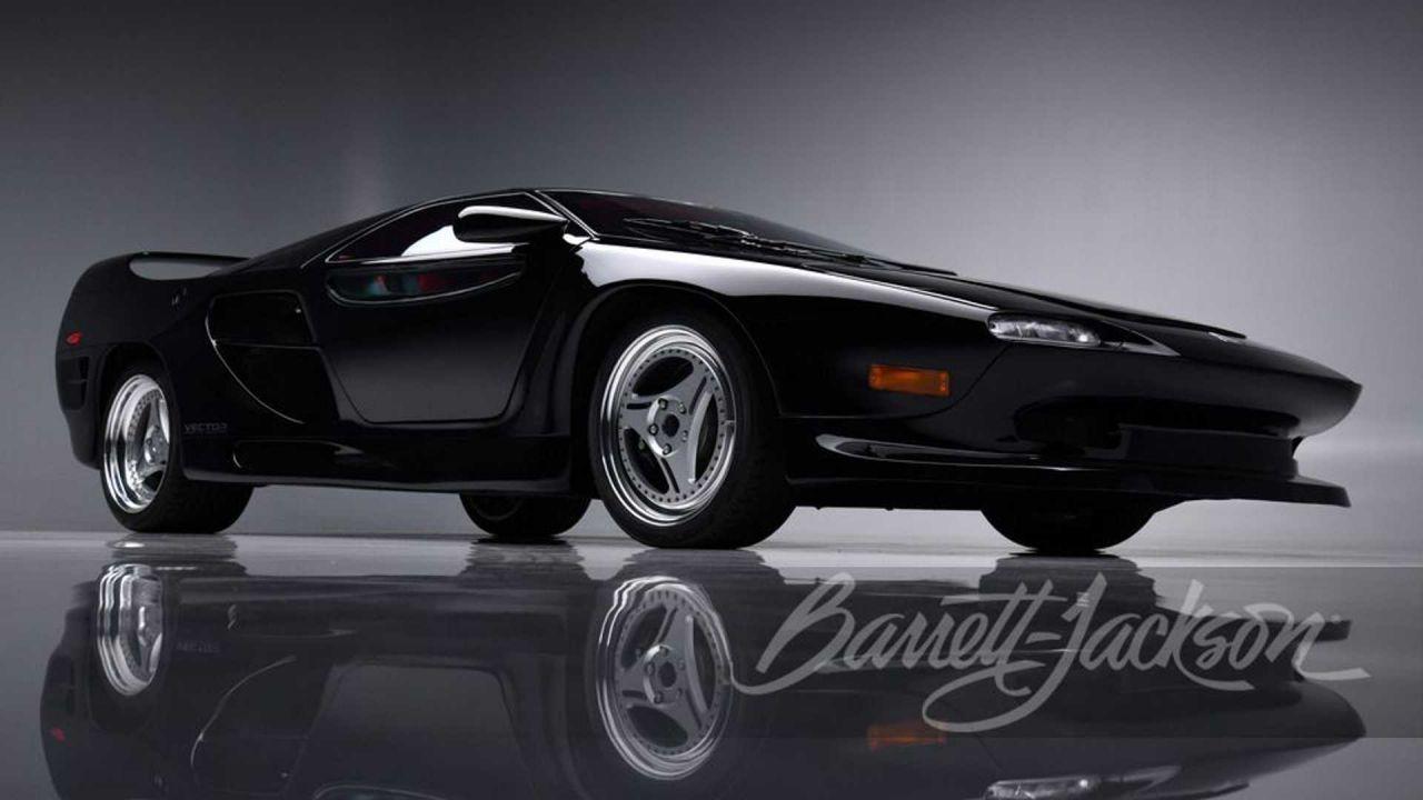 Vector M12: l'americana col cuore Lamborghini finirà presto all'asta