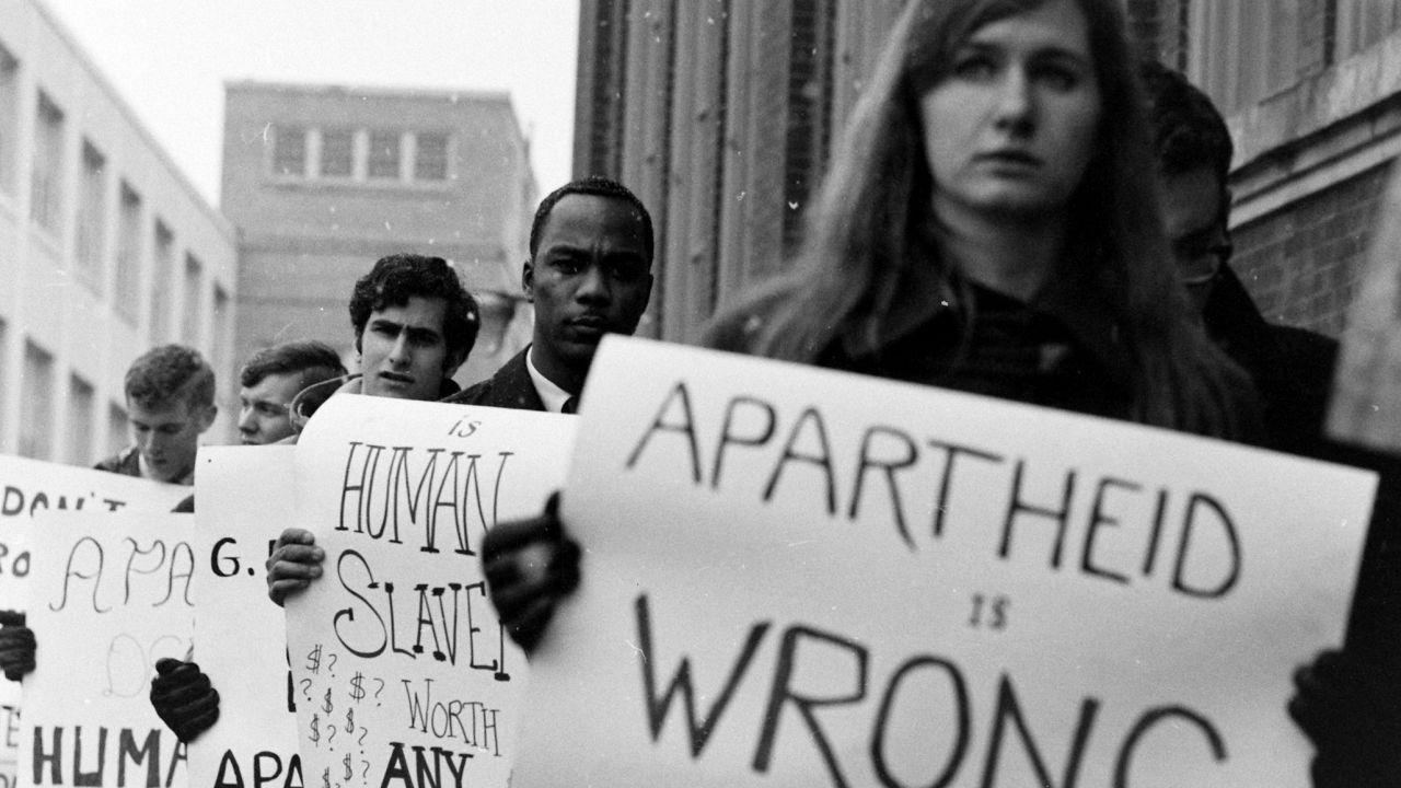Vediamo brevemente gli step principali che portarono alla fine dell'apartheid
