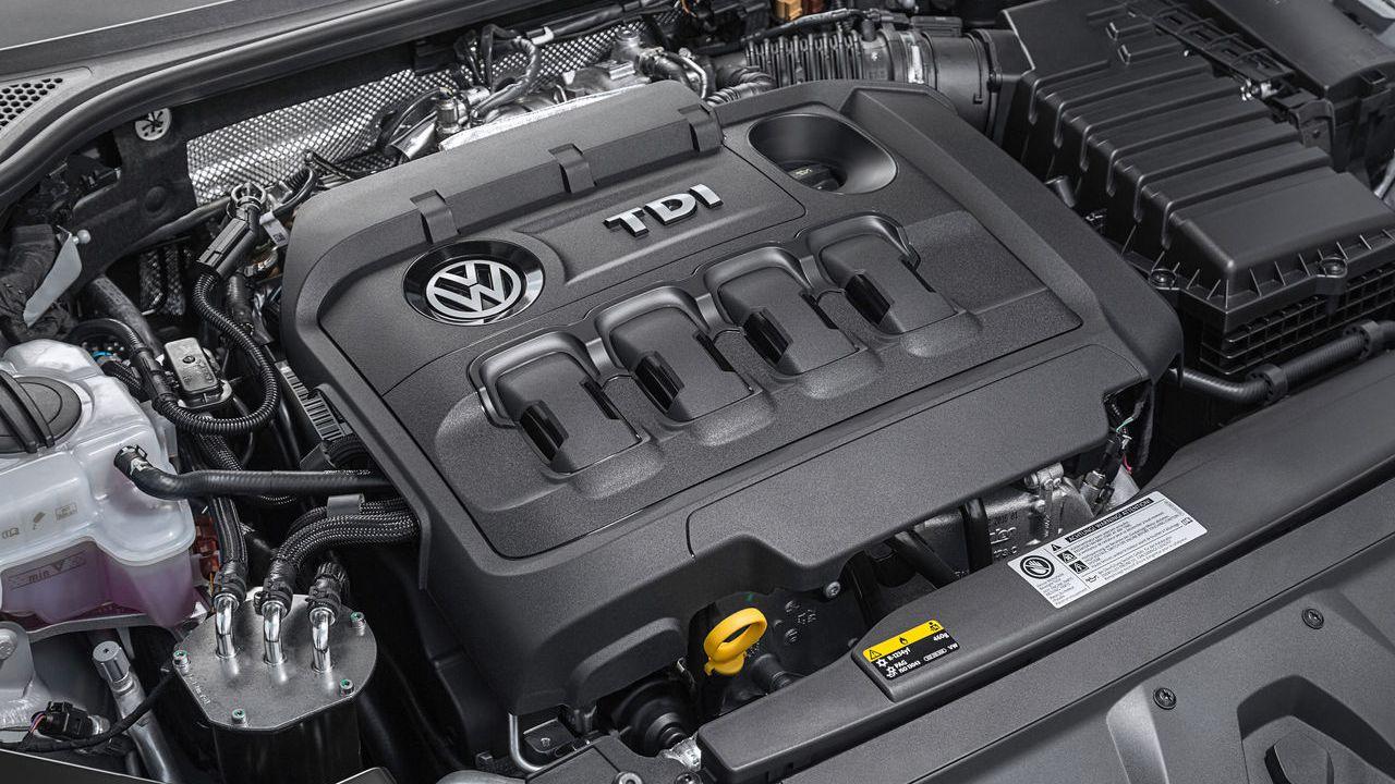 Volkswagen: 'I motori tradizionali non moriranno presto, useremo gli e-fuel'