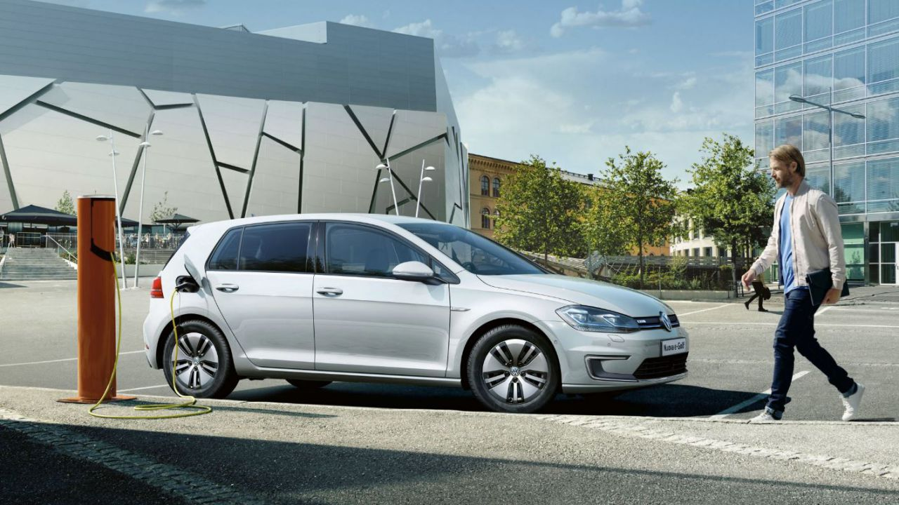 Volkswagen; l'ID.3 non arriva, unica soluzione? Puntare ancora sull'e-Golf