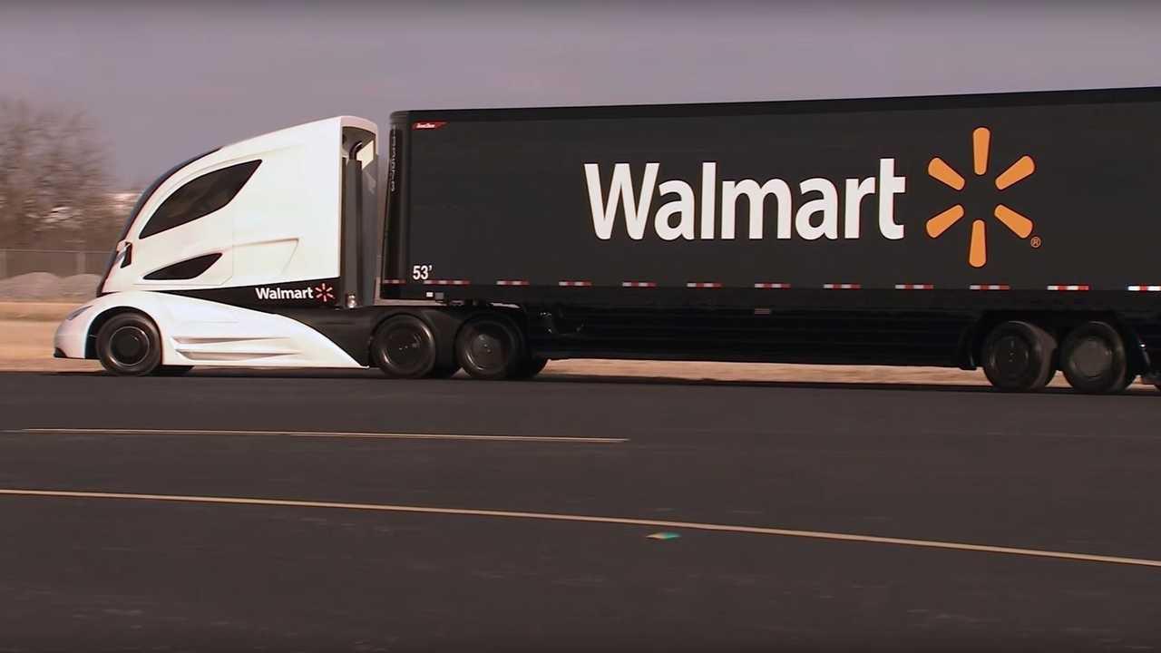 Walmart ordina tantissimi Tesla Semi per spingere sulla sostenibilità