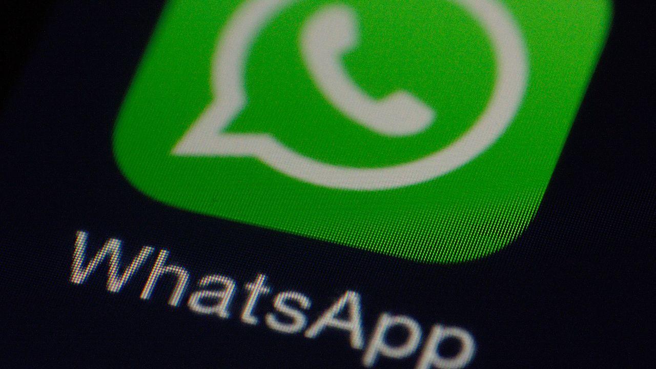 Whatsapp: la preside vieta le chat tra i genitori, definite 'devastanti'