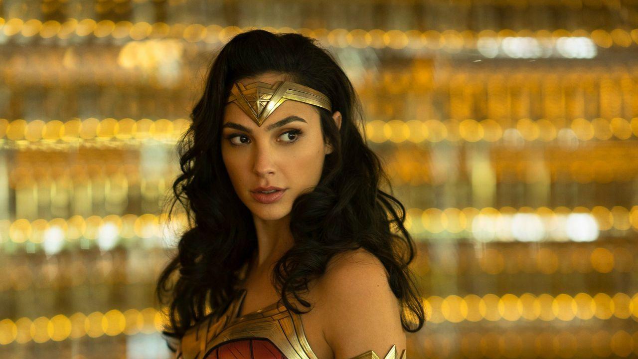 Wonder Woman 1984: Gal Gadot è di nuovo Diana Prince nella primissima foto in costume!