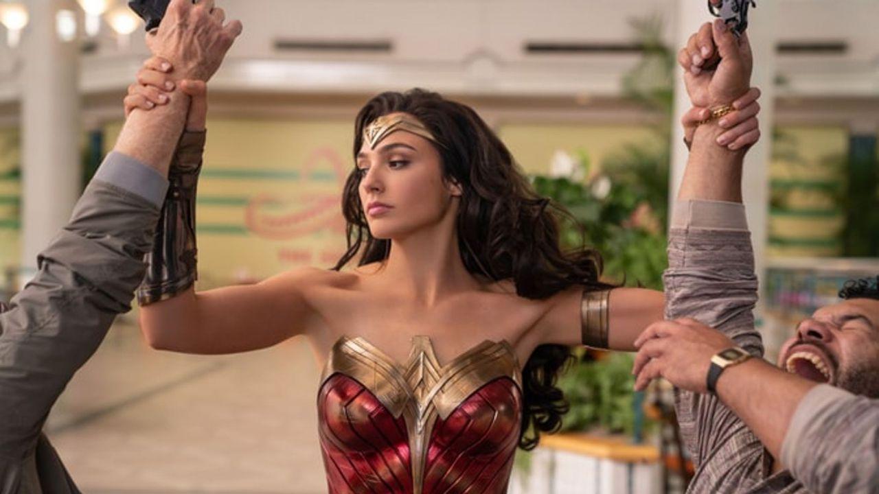 Wonder Woman 1984 in streaming e al cinema: 'una doppia vittoria' per i produttori?