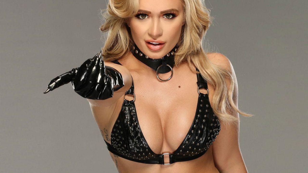 WWE, Scarlett entra nel roster NXT con un servizio fotografico mozzafiato