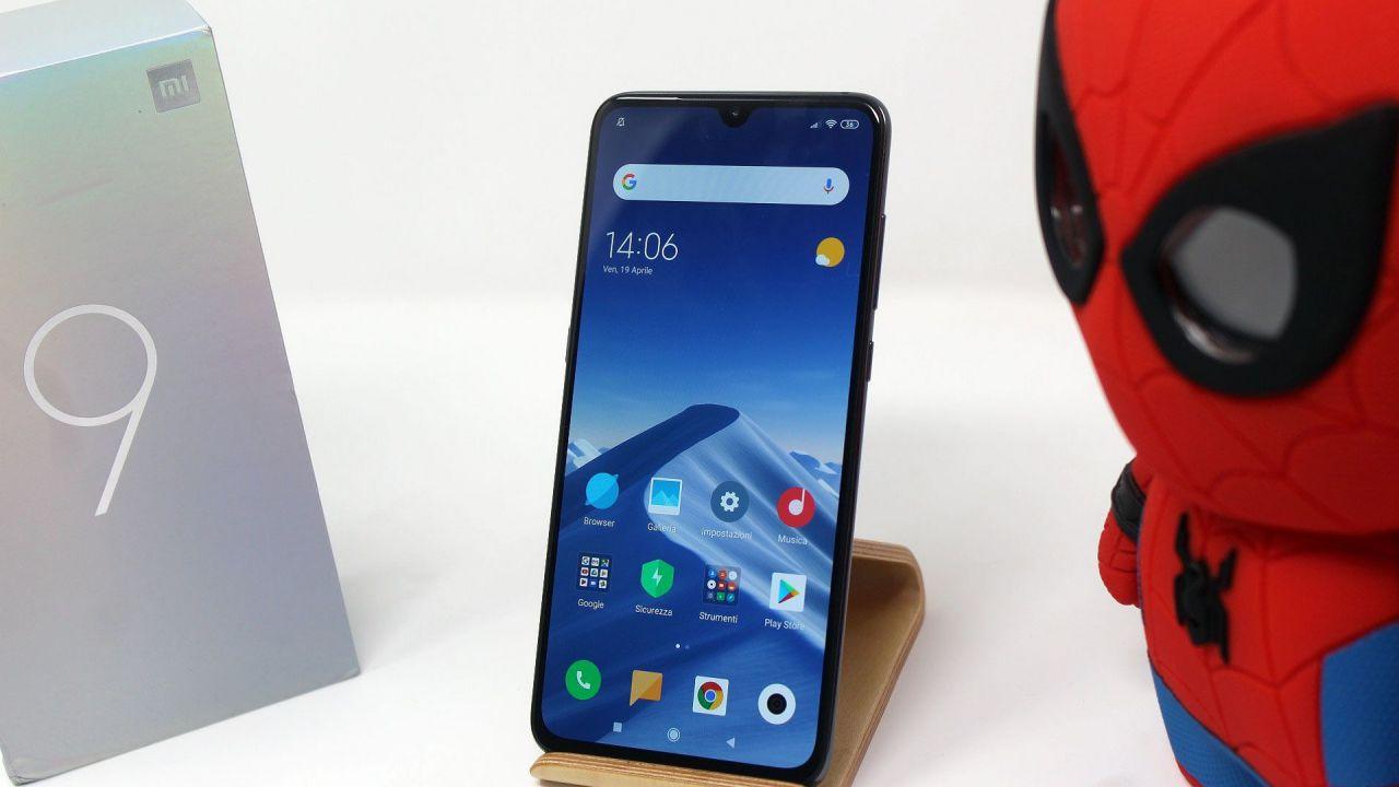 82eb8fed3 Xiaomi Mi 9 e Mi 9 SE in offerta a partire da 275 euro su Amazon Italia