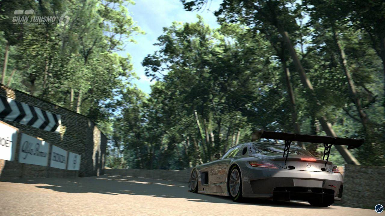 Yoshida: attualmente non prevediamo di sviluppare Gran Turismo 6 su PSVita