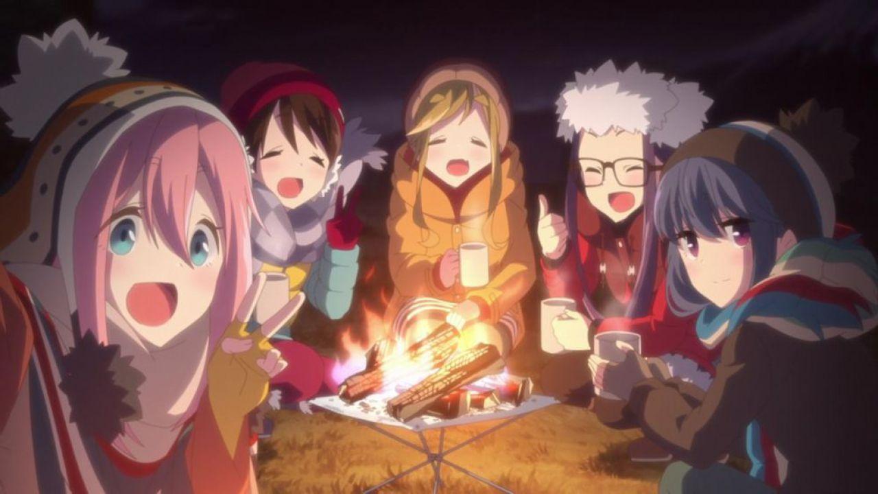 Yuru Camp: l'anime ha dei toni più maturi rispetto al manga? Il produttore spiega perché