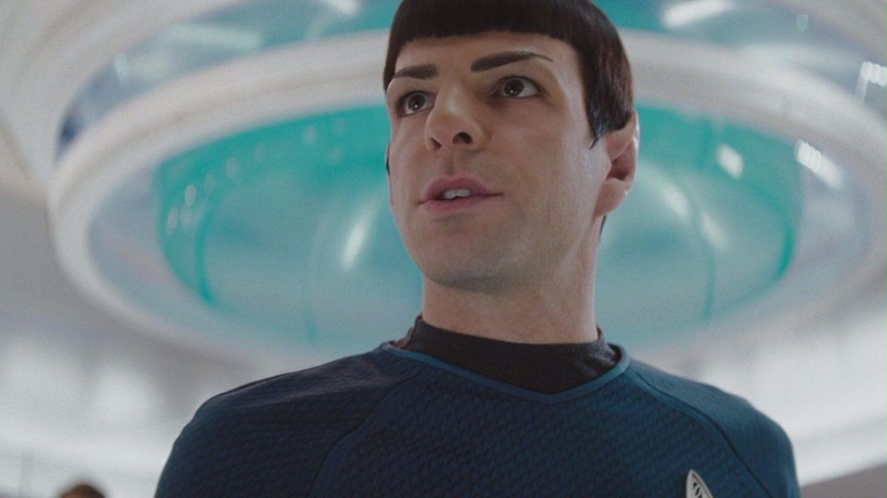 Zachary Quinto su Star Trek 4 e Spock: 'Noi dell'Enterprise siamo una famiglia'