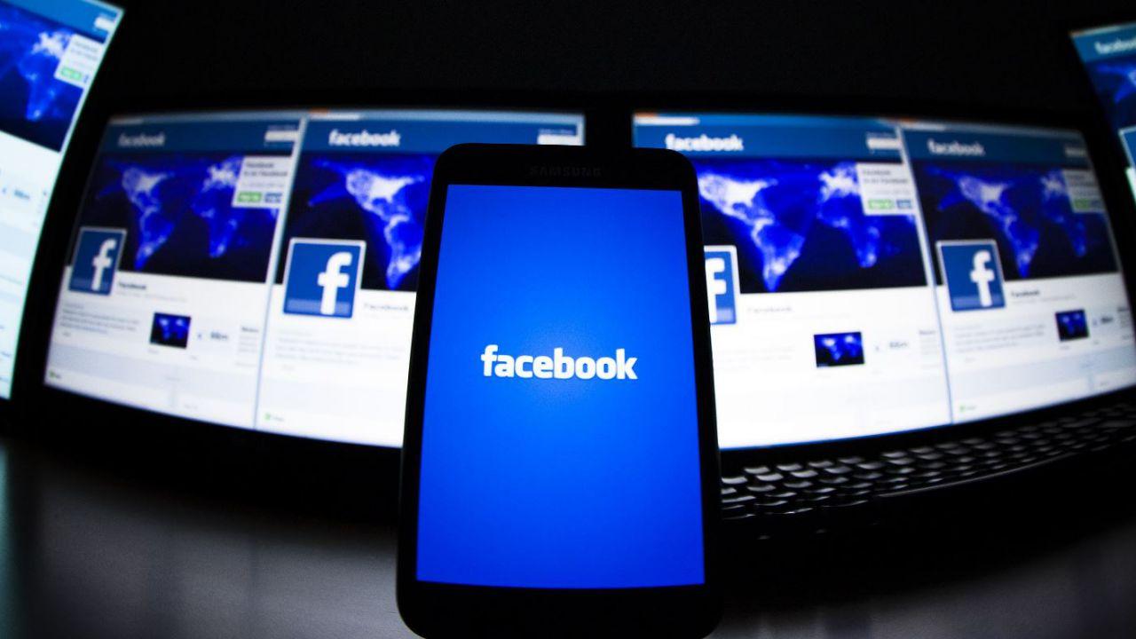 Gli hacker beffano Zuckerberg: la password del profilo era
