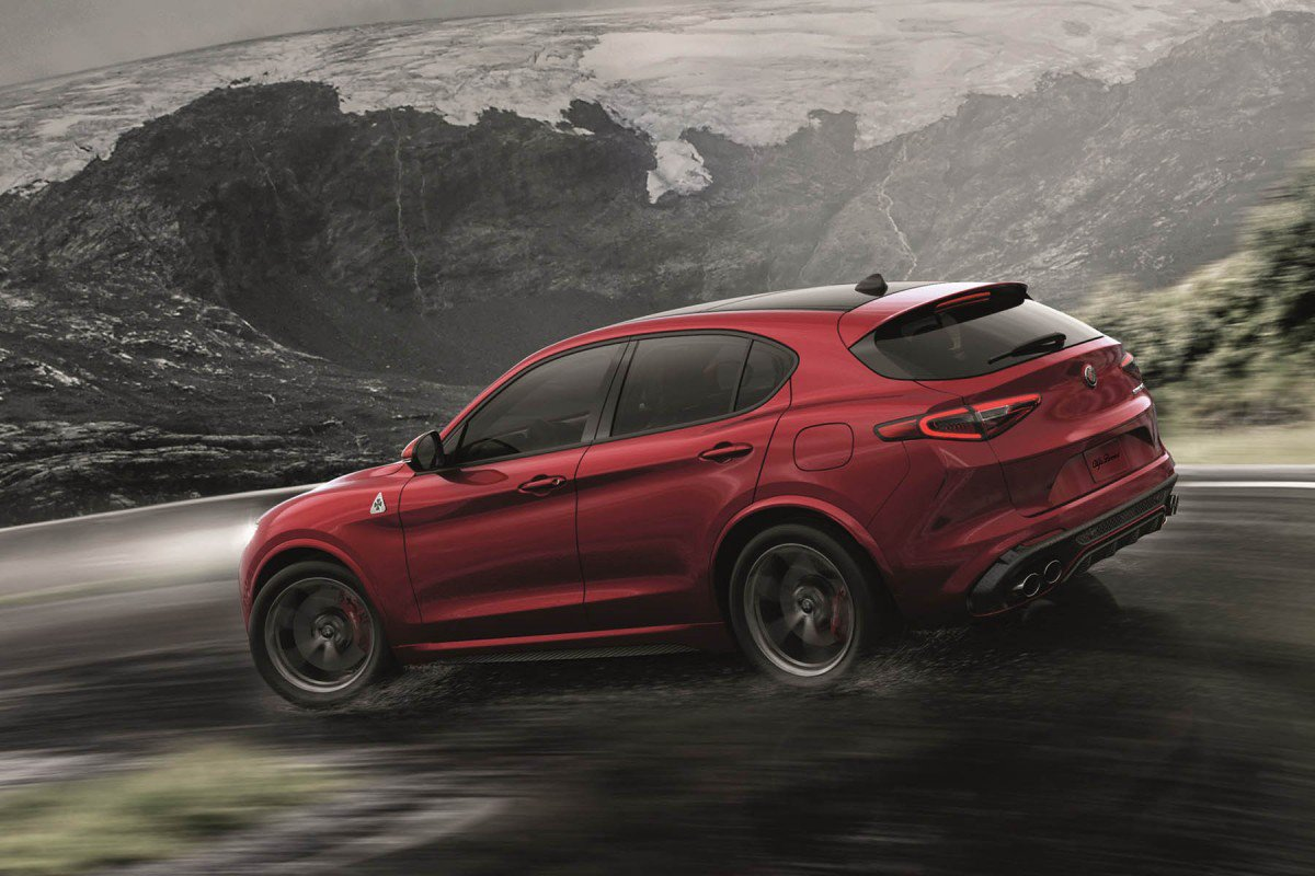 alfa romeo stelvio quadrifoglio tutti i segreti del primo suv della casa del biscione. Black Bedroom Furniture Sets. Home Design Ideas