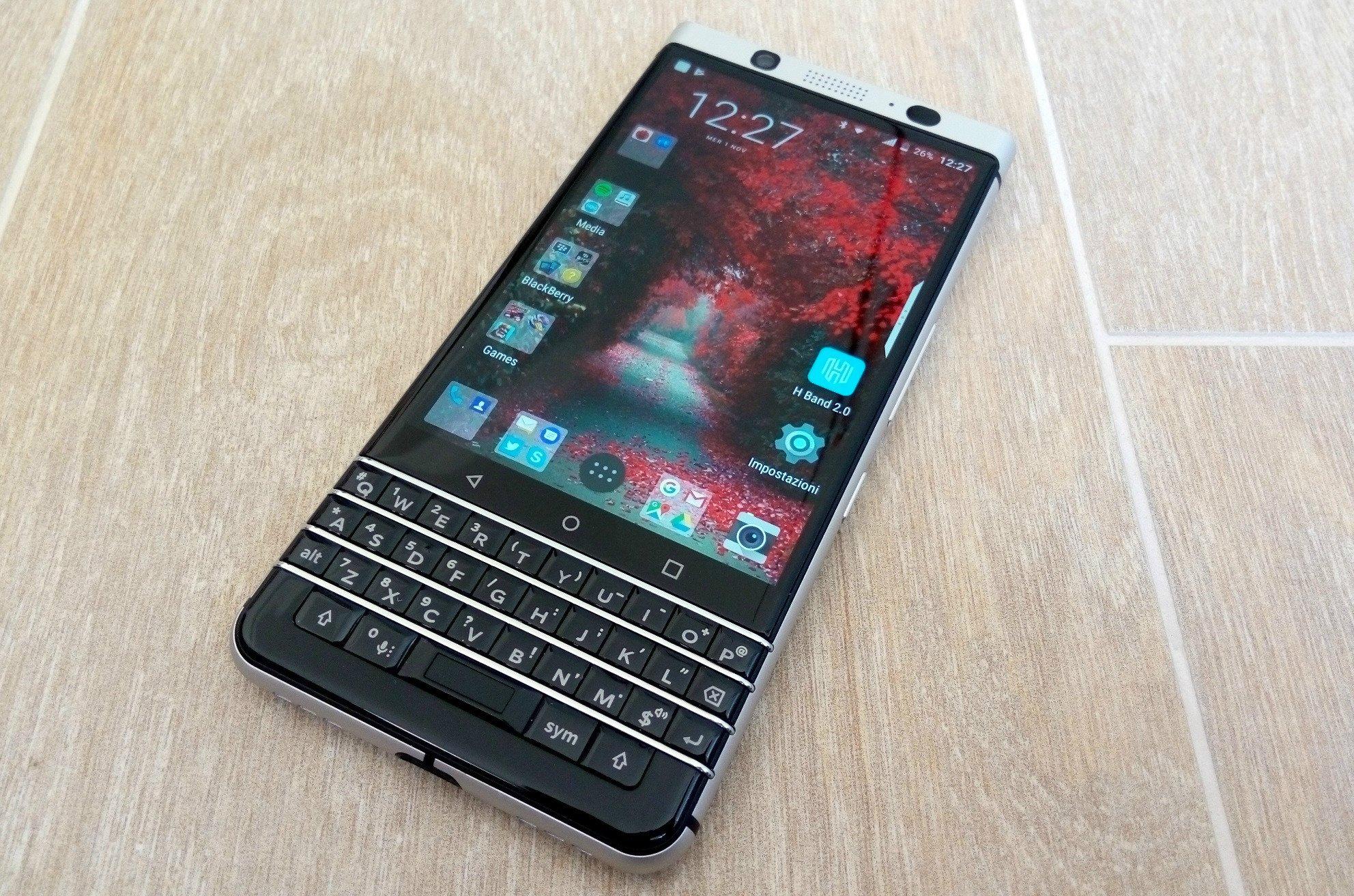 Blackberry keyone recensione lo smartphone android con - Smartphone con tasti ...