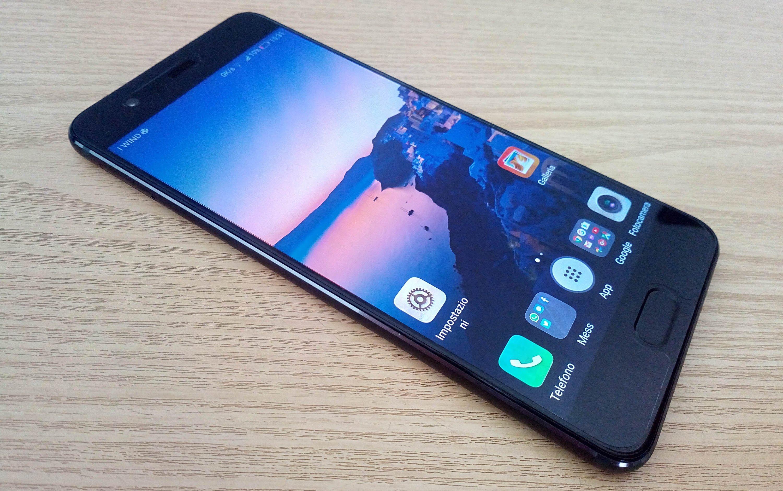 Huawei ammette di aver usato memorie diverse su P10 e P10 Plus