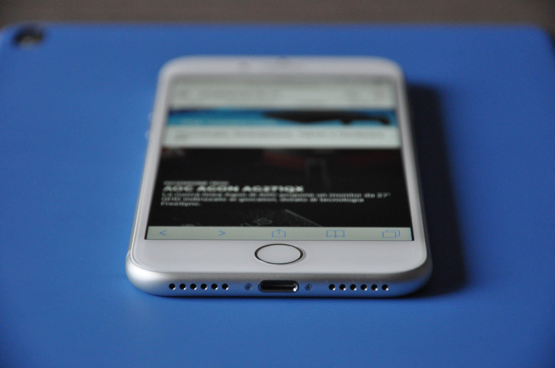 iPhone 7, ancora conferme: niente jack cuffie ma doppio speaker