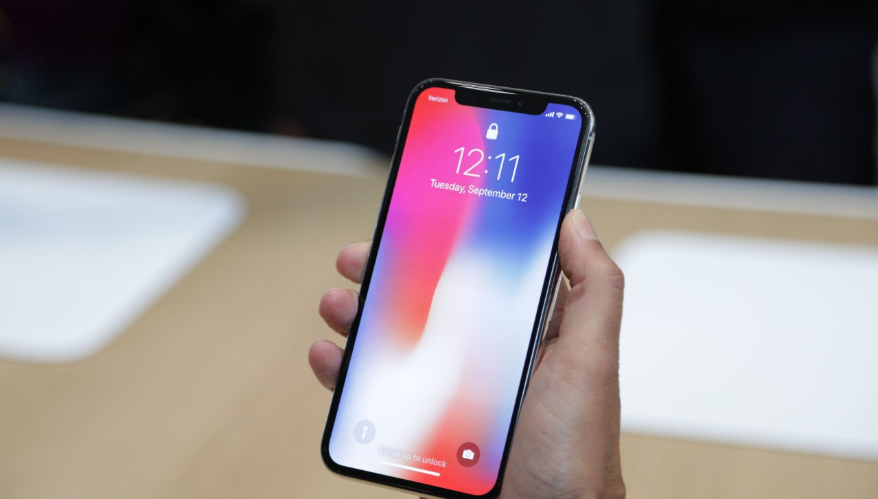 Angela Ahrendt: Apple non forzerà iPhone X