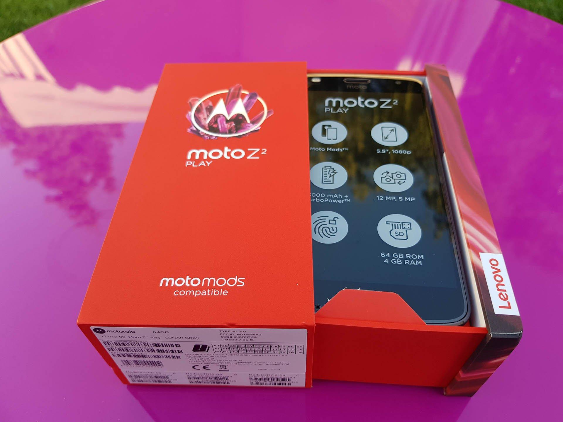 Lenovo Moto Z2 Play verrà presentato domani in Italia