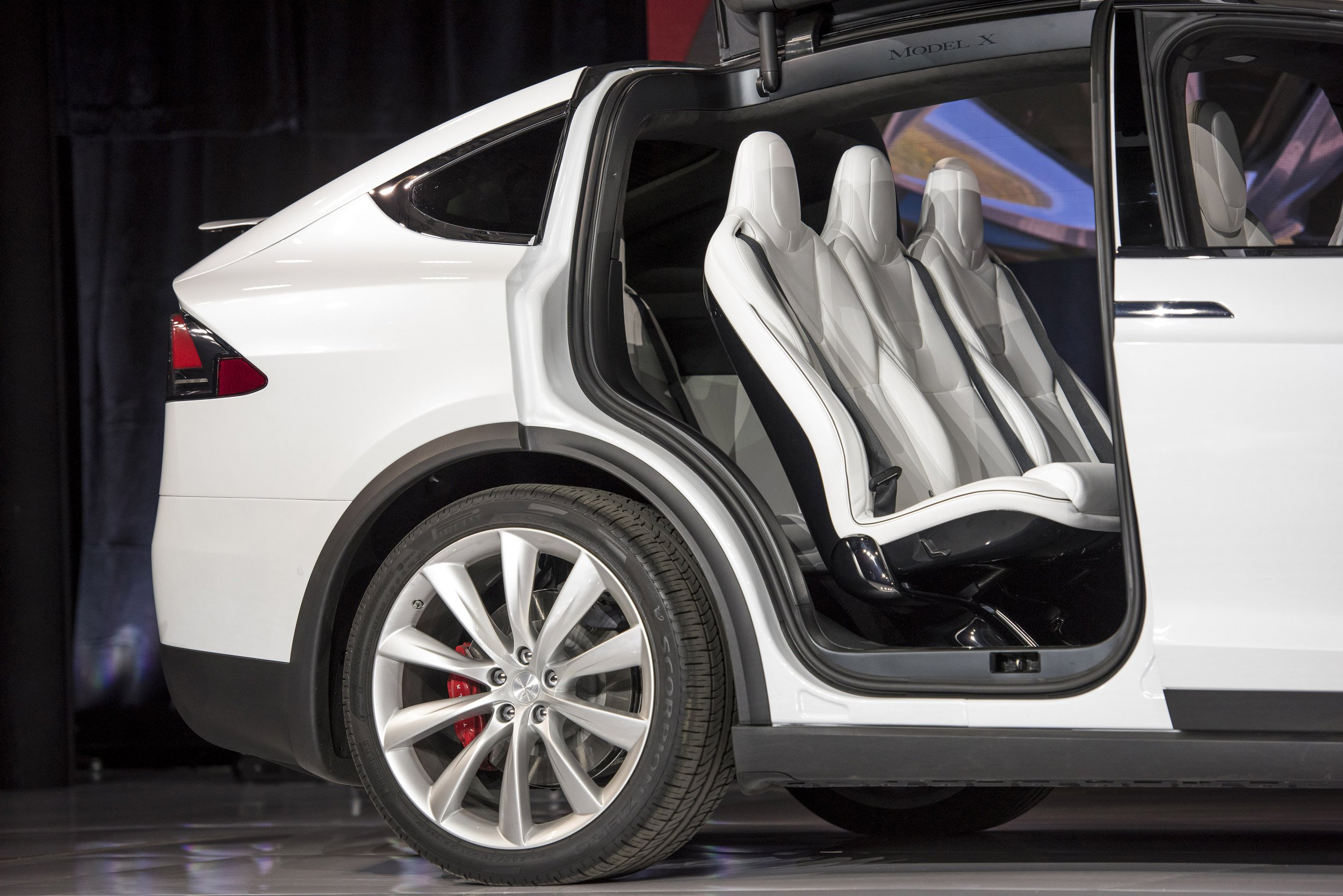 Speciale Tesla Model X Il Suv Del Futuro Everyeye Tech