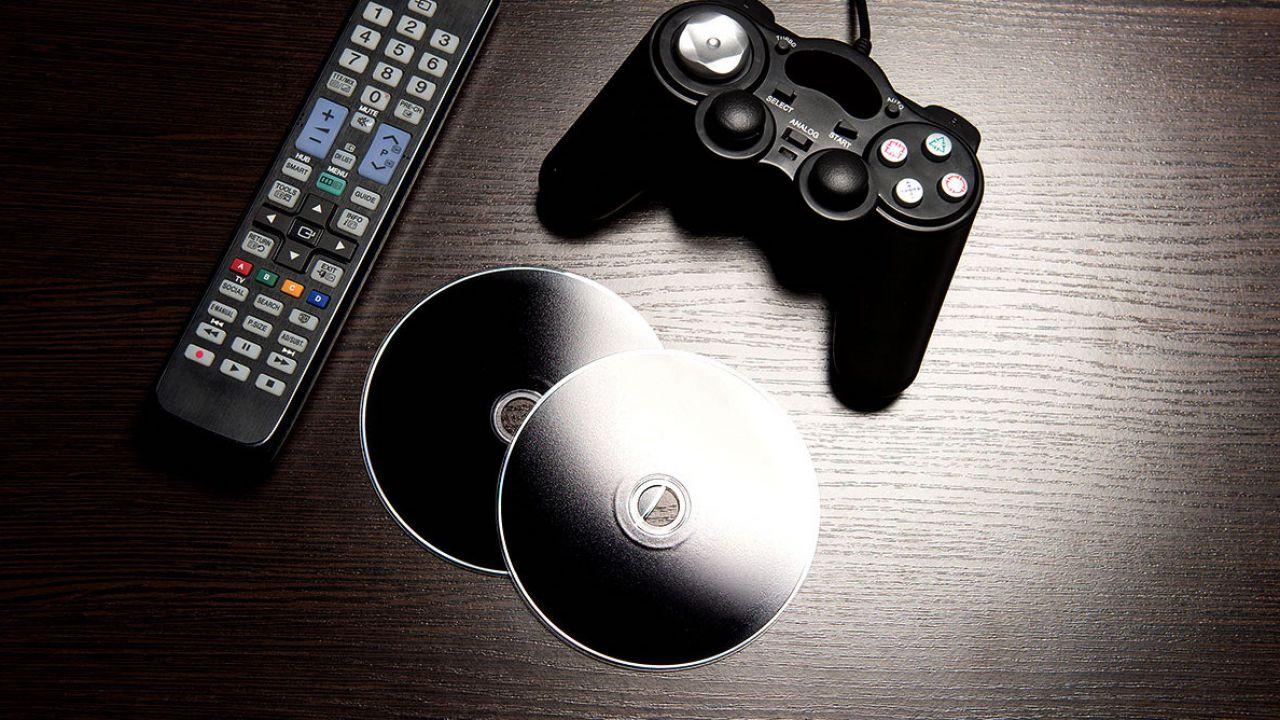 Sondaggio - Acquisti versioni digitali dei giochi o sei ancora affezionato alle copie fisiche?